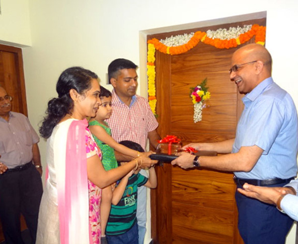 Crescent Iris has been completed before schedule & the keys of apartment B 1 being handed over to Lt.Col.Arun Menon & family by our Managing Partner Haseeb Ahamed.