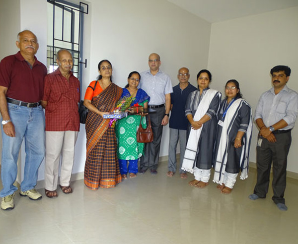 Our team with Mr. Krishnankutty  & family of apartment A 8 in Crescent Aster after handing over.