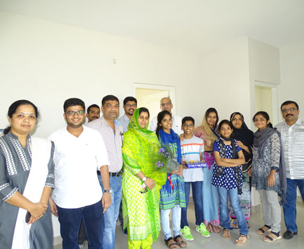 Our team with Mr. Mohammed Arshad and family of apartment C 11 in Crescent Aster