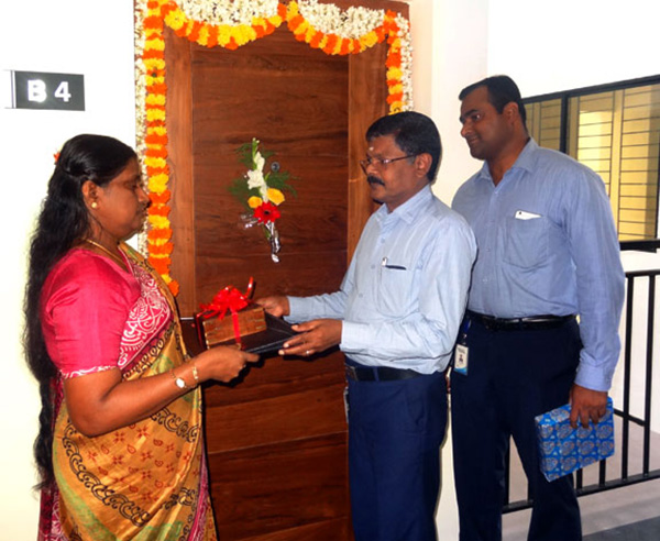 Crescent Iris has been completed before schedule & the keys of apartment B 4 being handed over to Ms.Sneha Prabha  by our G M Projects K.K Sasidharan in the presence of our G M Sales & Marketing Savin Monu.