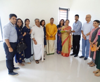 Our team with Ms.Bina Valsraj & Family of apartment no. I 11 in Crescent Zinnia after handing over.