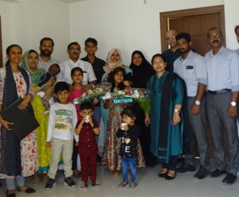 Our team with Mr.Shakeer Kakkeri & family of apartment no.D 10 in Crescent Lavender, after handing over