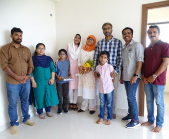 Our team with Ms.Shafeena Ali & family of apartment no.D 15 in Crescent Lavender, after handing over