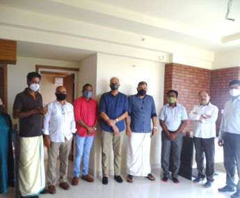 Our team with Mr.Abdul Latheef of apartment no. G22 in Platinum Crescent, after handing over