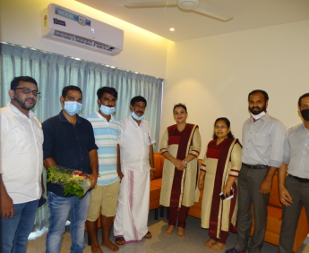 Our team with Mr.Ellozathil Leaikath Ali and family of apartment no. B09 in Crescent Lavender, after handing over